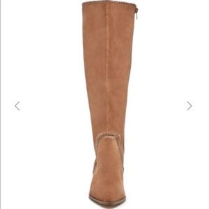 *Brand new in plastic* Tall boot